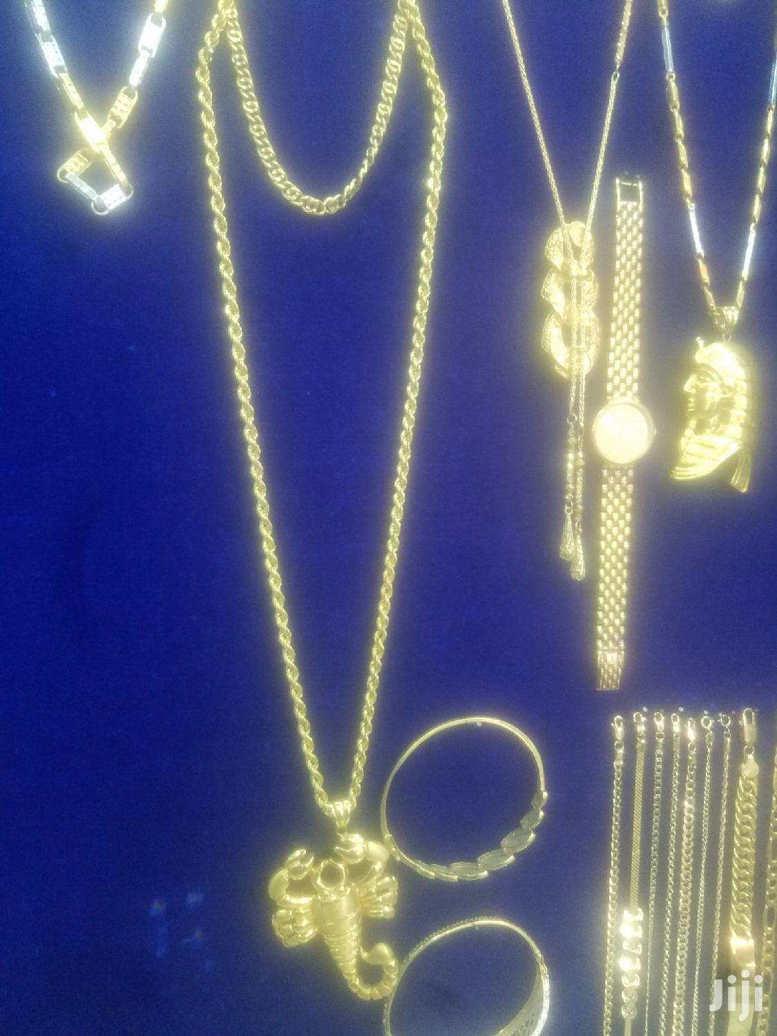 Archive: Gold Chains And Bracelets