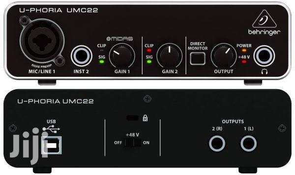 Behringer U-Phoria UMC22 Audio Interface