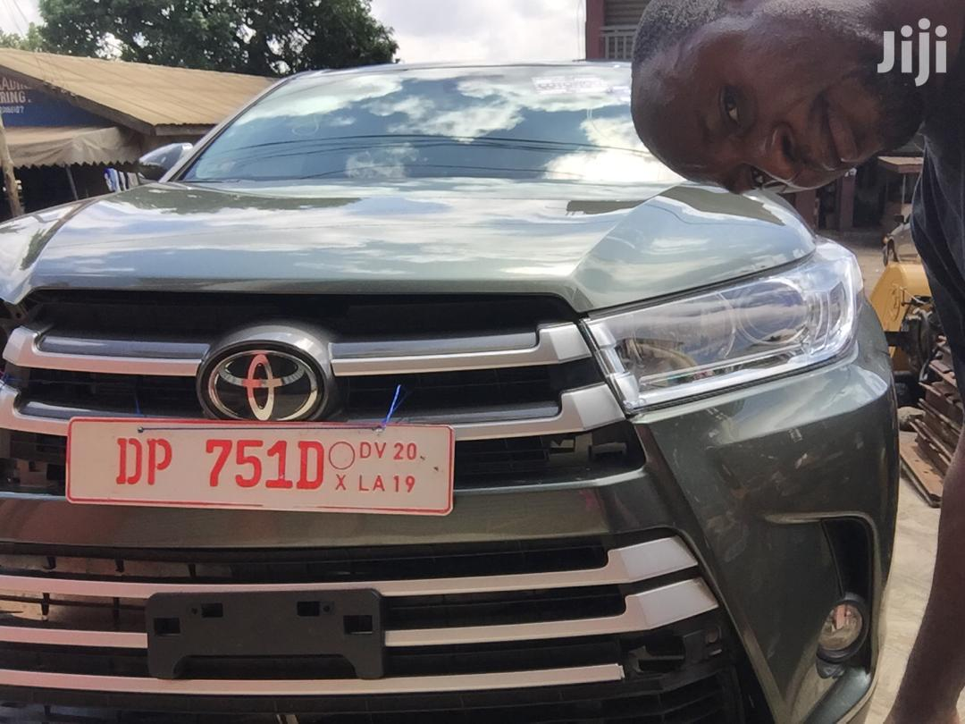 Archive: New Toyota Highlander 2018 LE 4x4 V6 (3.5L 6cyl 8A) Green