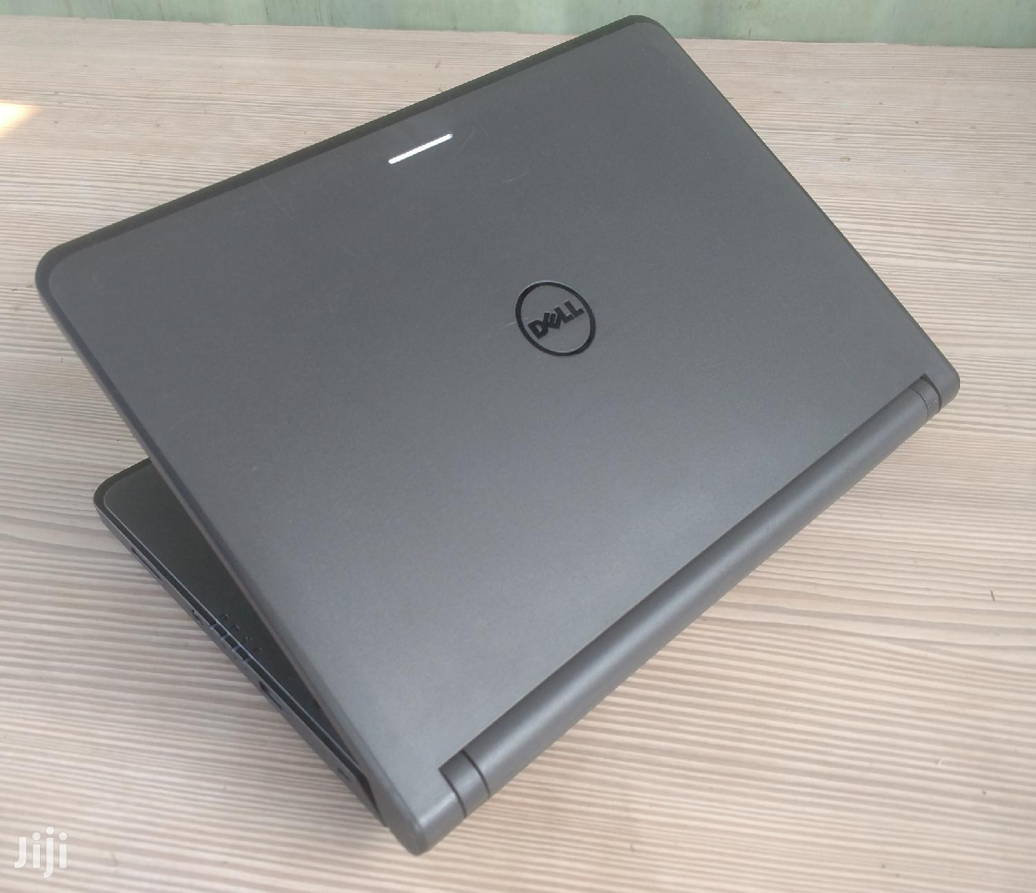 Archive: Laptop Dell Latitude 3380 8GB Intel Core i5 HDD 500GB