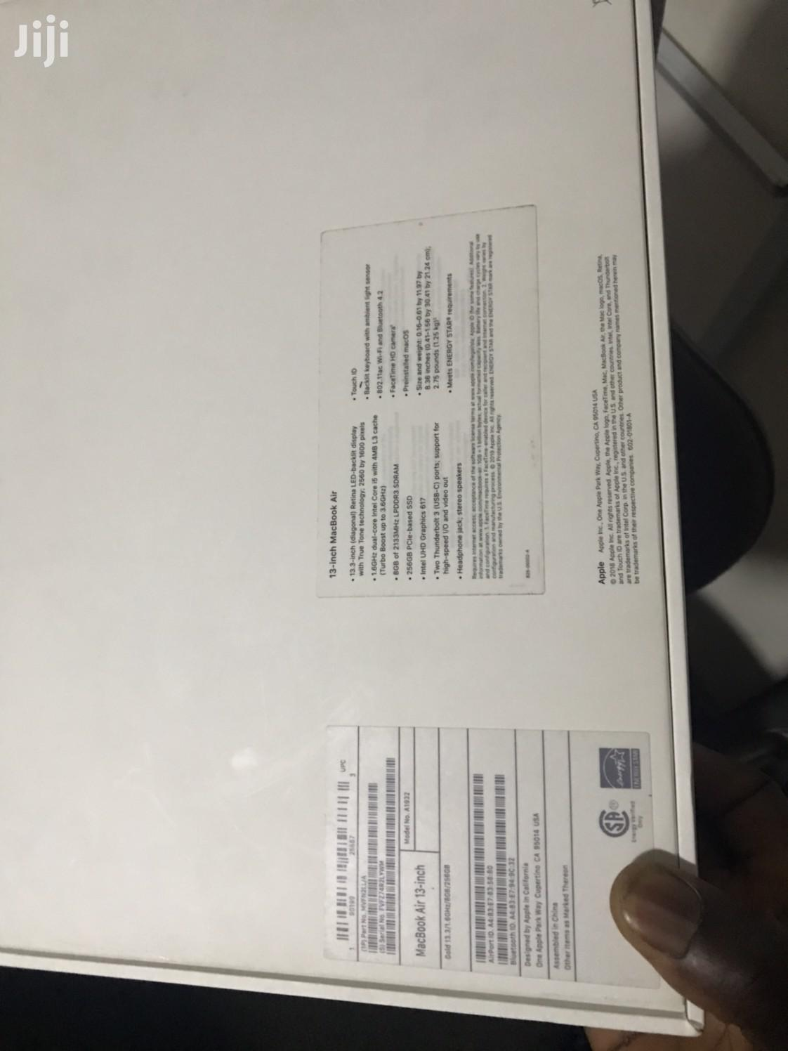 Archive: New Laptop Apple MacBook Air 8GB Intel Core i5 SSD 256GB