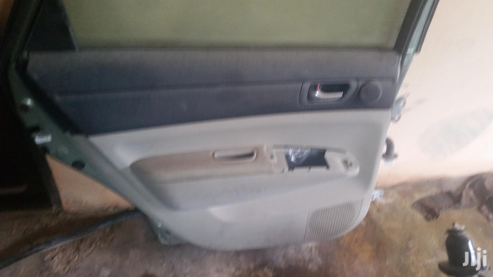 Car Doors And Other Parts For Toyota Prius