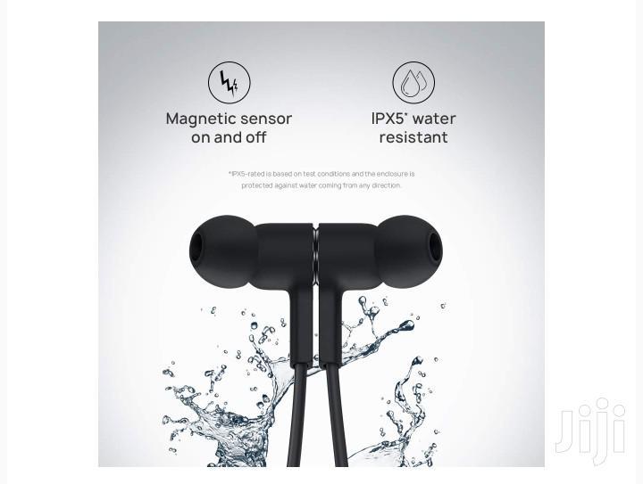 Archive: Huawei Freelace Neckband Earphones
