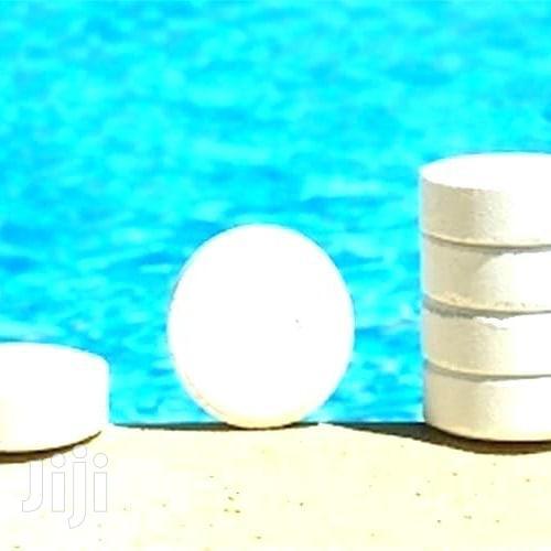 Swimming Pool Chlorine Clean
