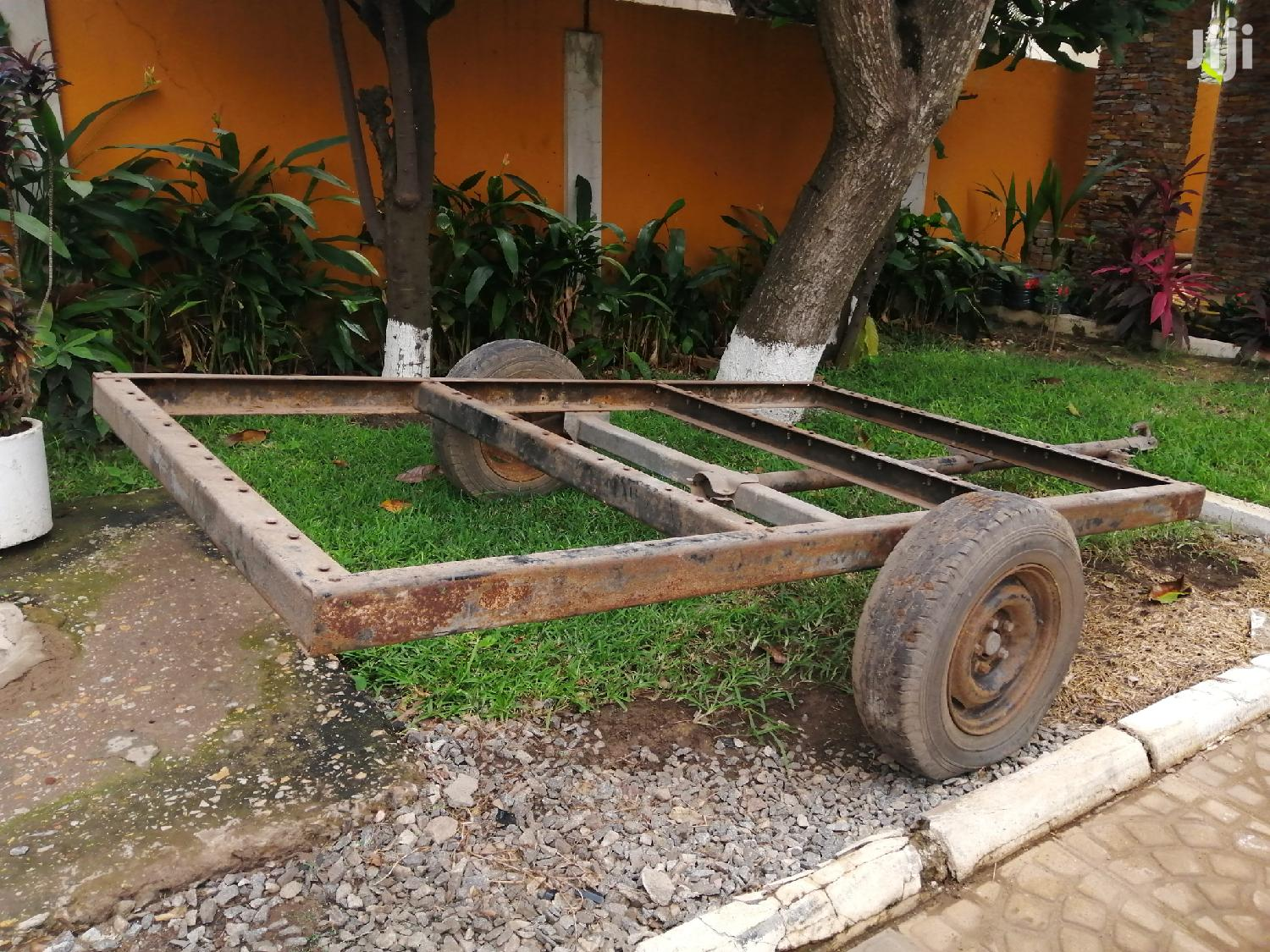 Archive: Flatbed Towing Trailer