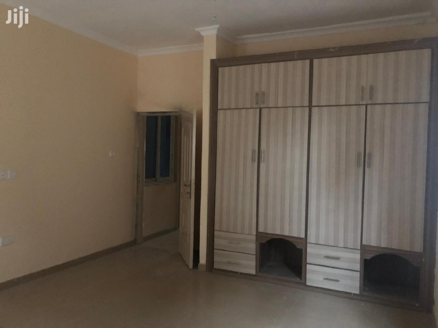 Archive: 3 Bedroom House