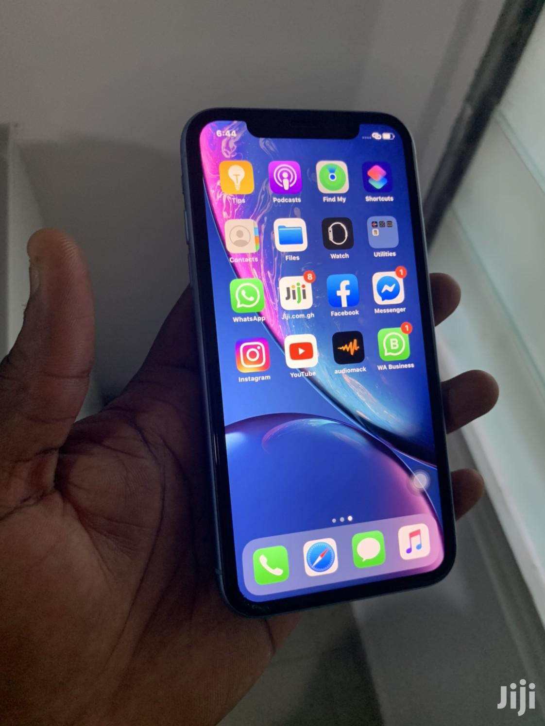 Archive: New Apple iPhone XR 128 GB Blue