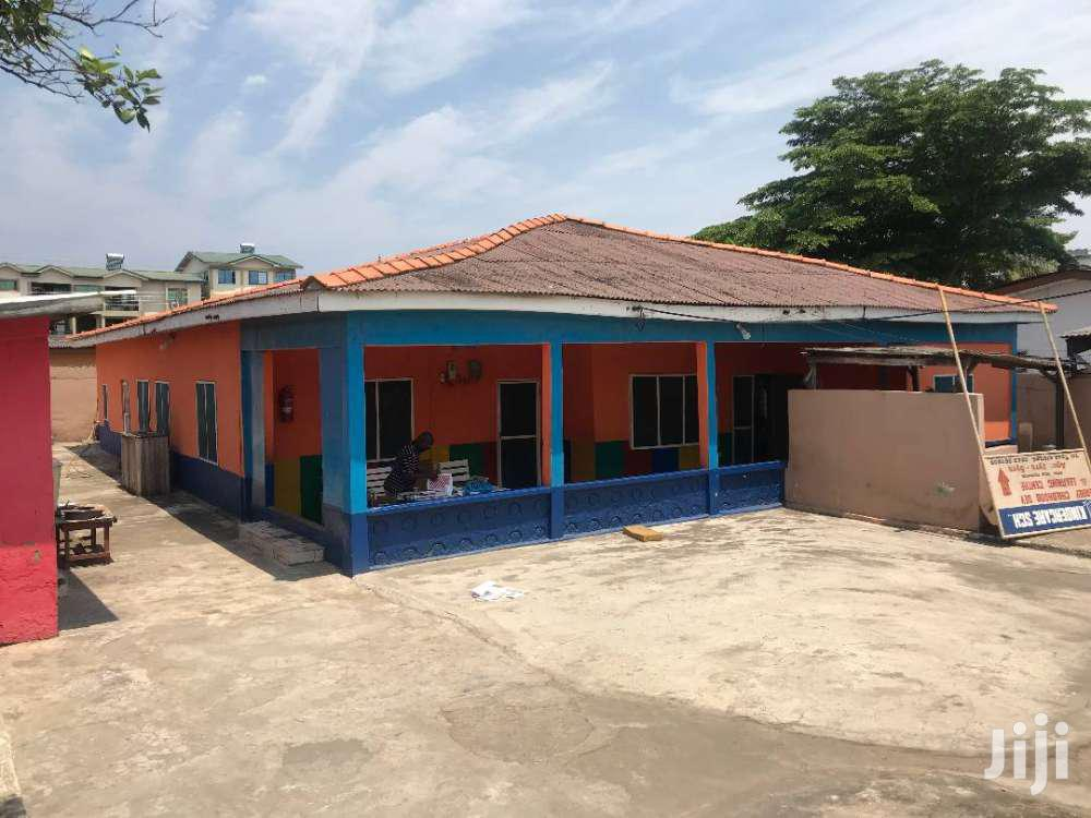 A Nice and Specious 7 Bedroom House in Mamprobi