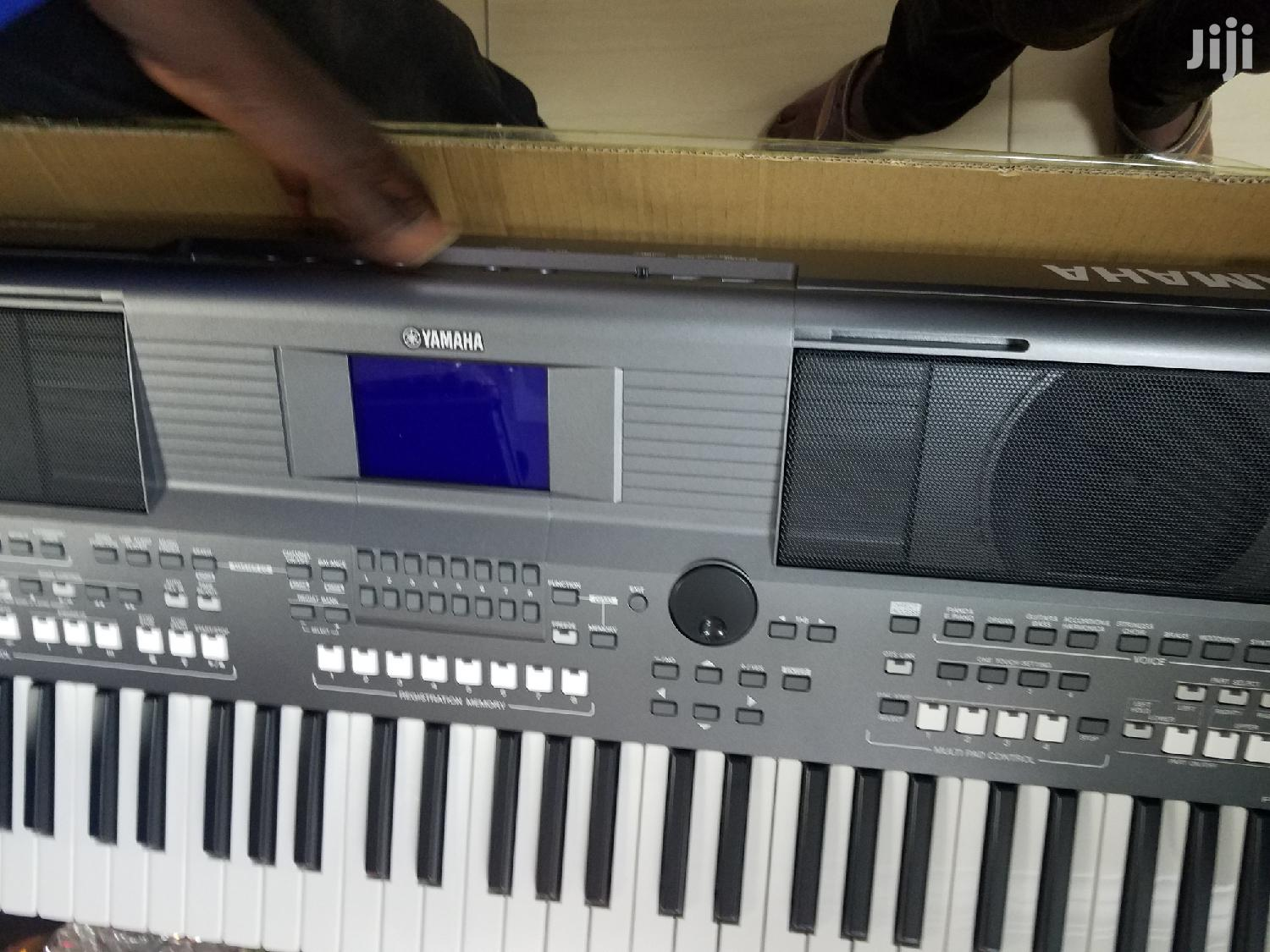 Yamaha PSR-S670 Workstation Arranger With Stand and Pedal | Musical Instruments & Gear for sale in Ga West Municipal, Greater Accra, Ghana