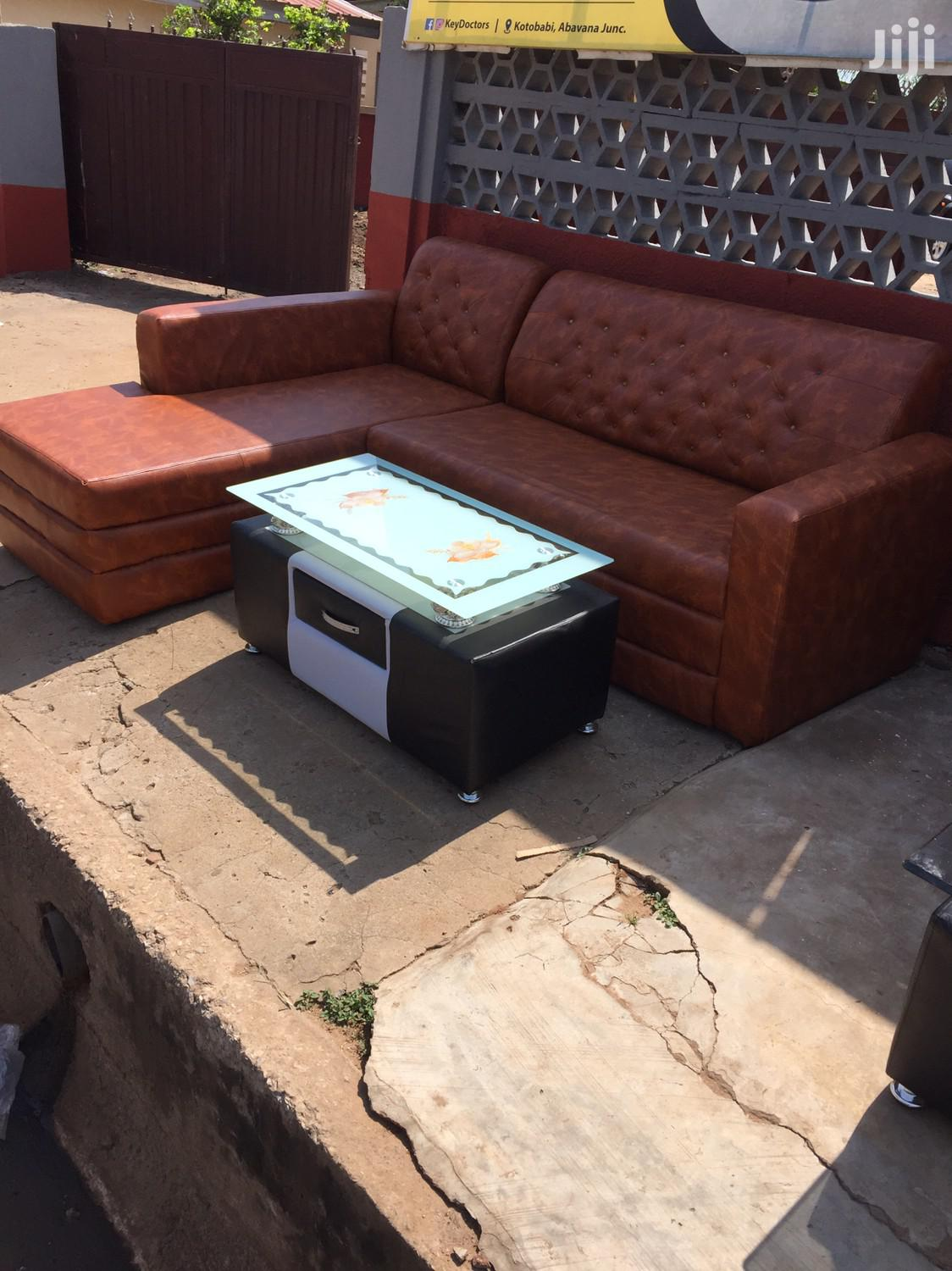 Quality Leathered L Shape Sofa With Center Table for Sell.