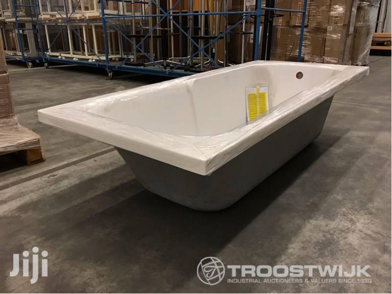 Archive: Bathtubs Ideal Standard