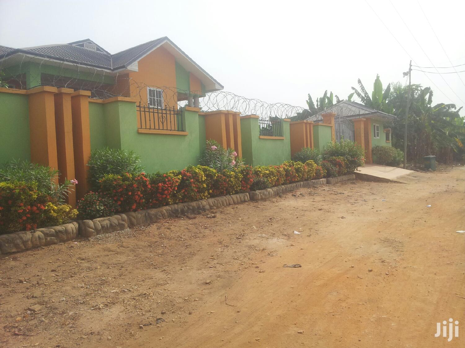 Archive: Single Room Apartment In Kotei Adom Junction For Rent