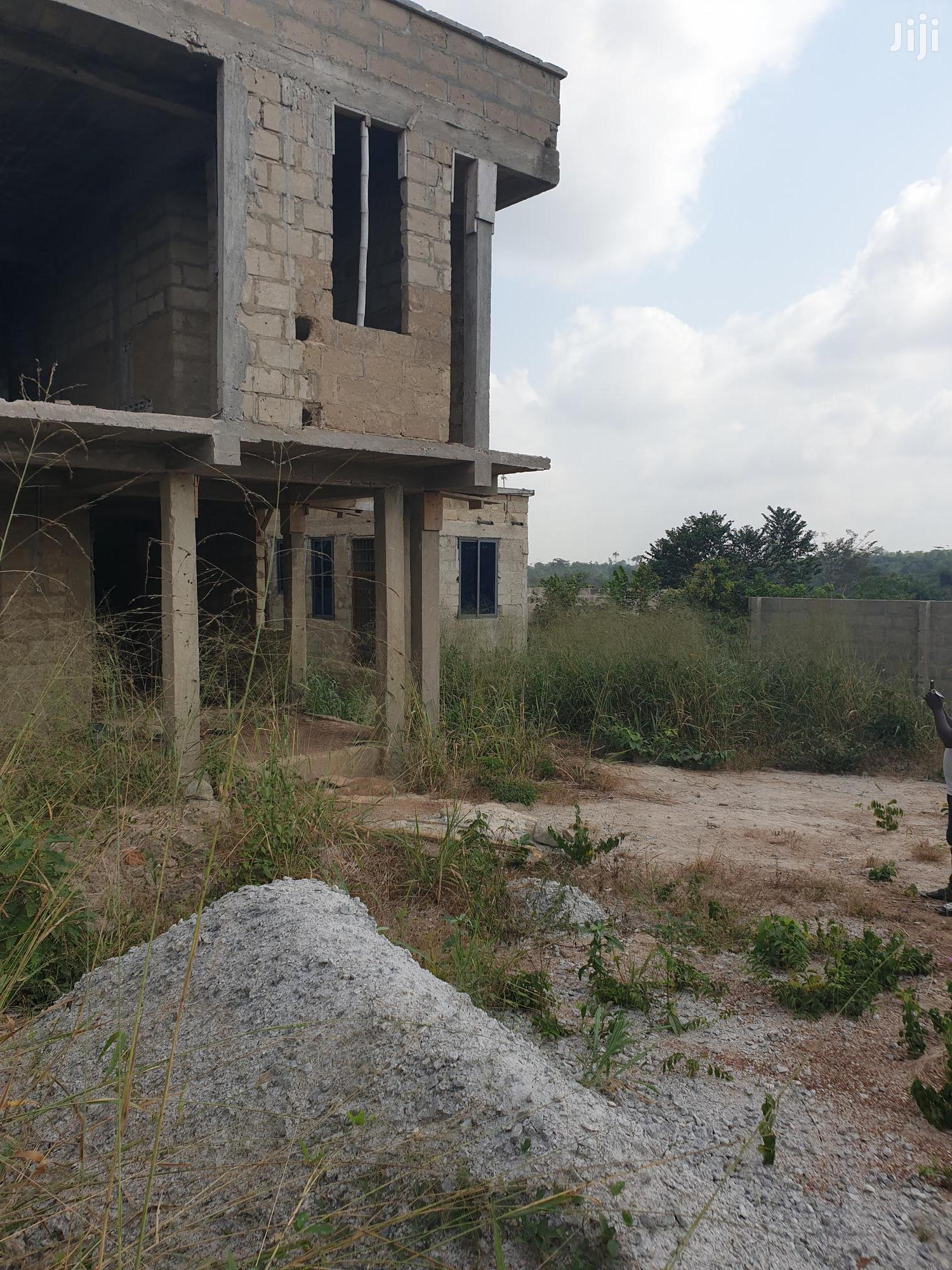Uncompleted 4bedrooms for Sale at Sewua- Kumasi