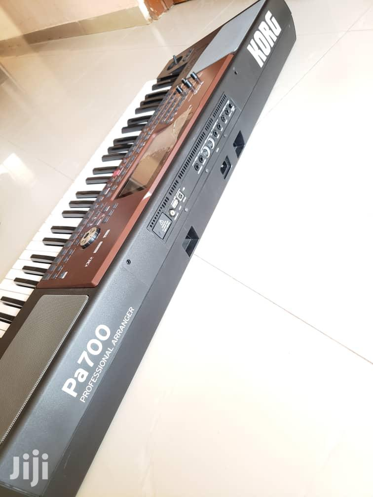 Korg Pa 700 Workstation Keyboard