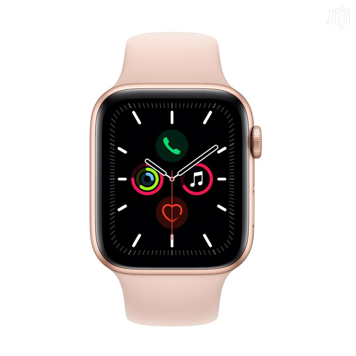 Apple Watch Series 5 Gold Aluminium Case With Pink Sand Sport