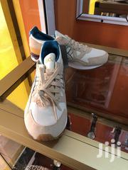 Asics Cream And White Sneaker   Shoes for sale in Greater Accra, Darkuman