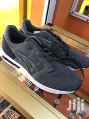 Gray And Black Asics Sneaker   Shoes for sale in Greater Accra, Darkuman