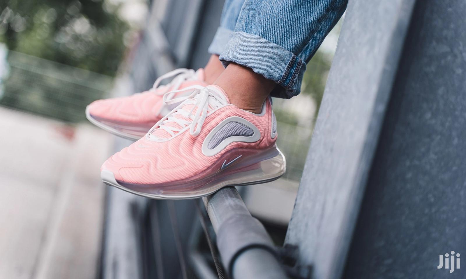 Archive: Original Nike Air Max 720 Pink