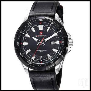 Naviforce 9056 Analogue Quartz Men's Leather Watch-black