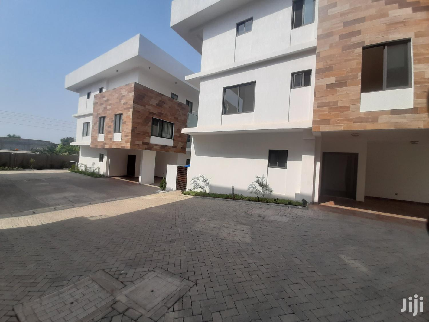 Executive 4 Bedroom Townhouse Airport Residential Area   Houses & Apartments For Rent for sale in Airport Residential Area, Greater Accra, Ghana