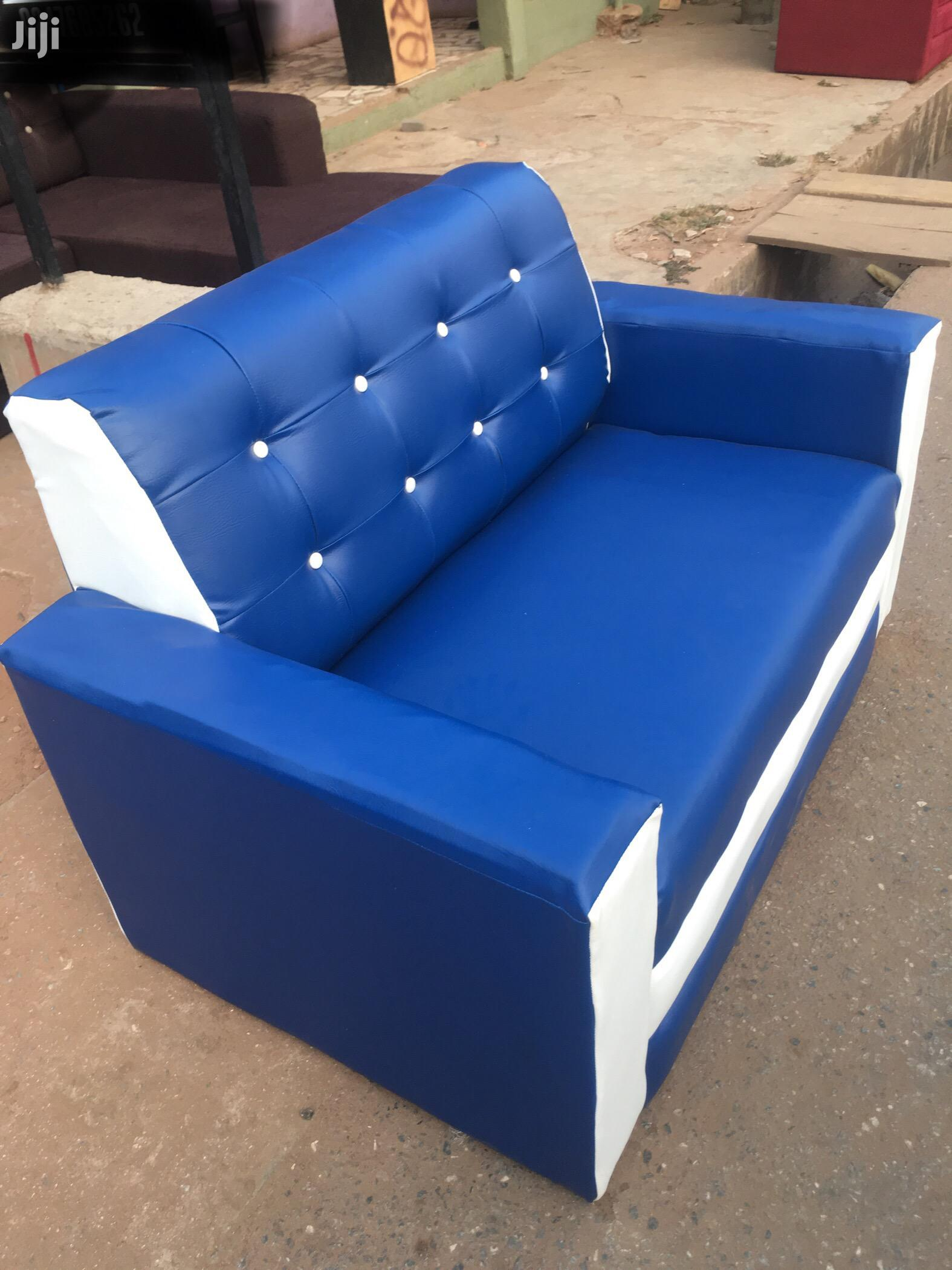 Quality 2in 1 Sofa at a Cool Price With Free Delivery.