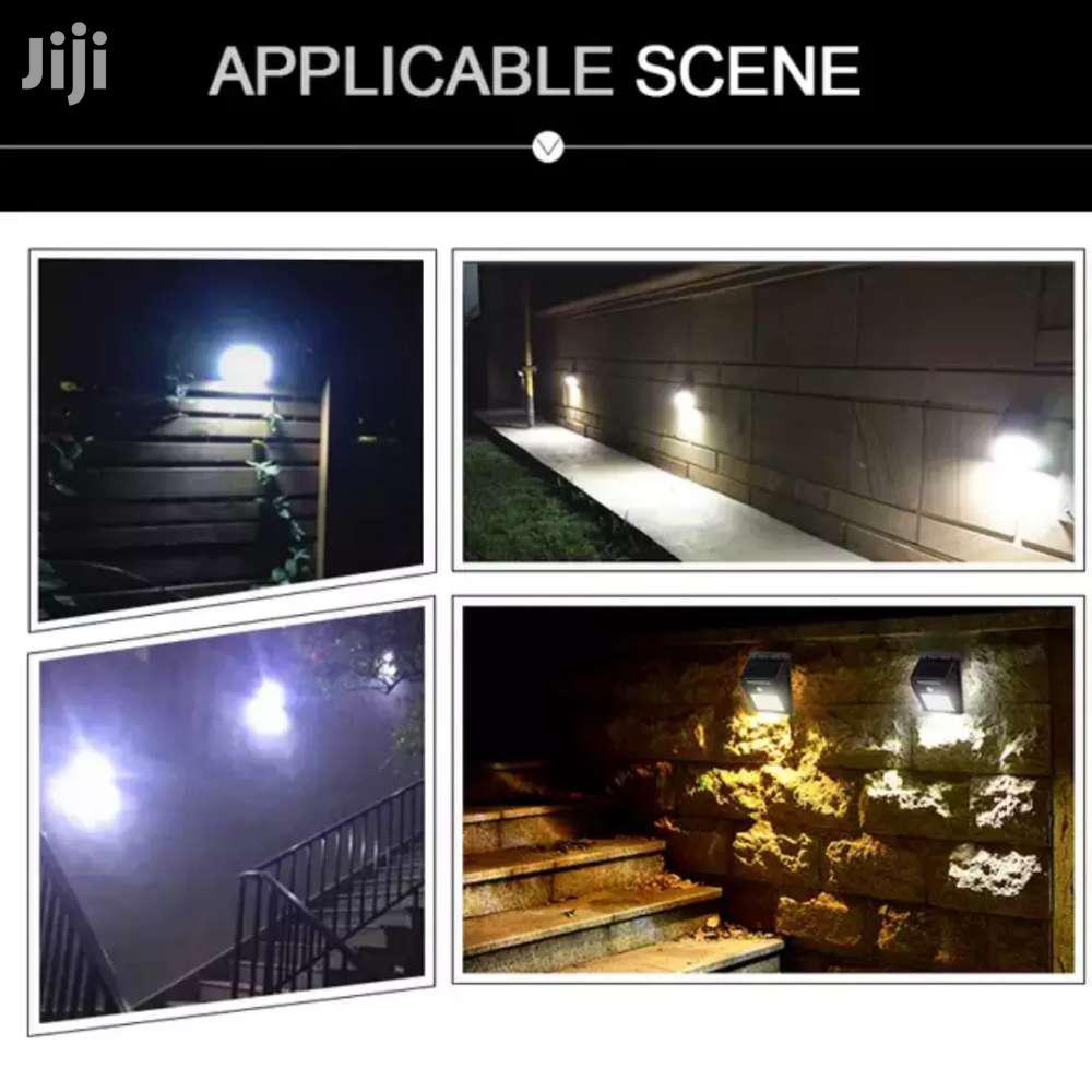 Archive: Solar Powerd Led Wall Light