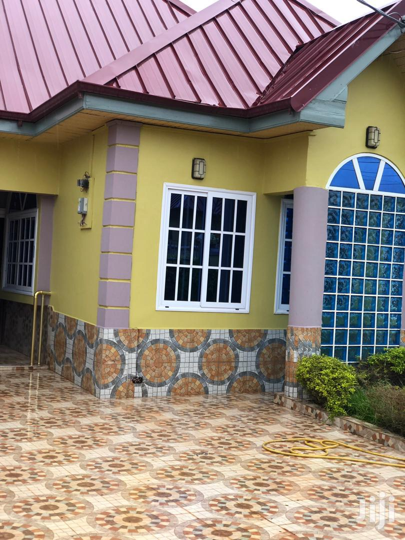 Archive: Exec 3bedroom House For Sale At Oyarifa