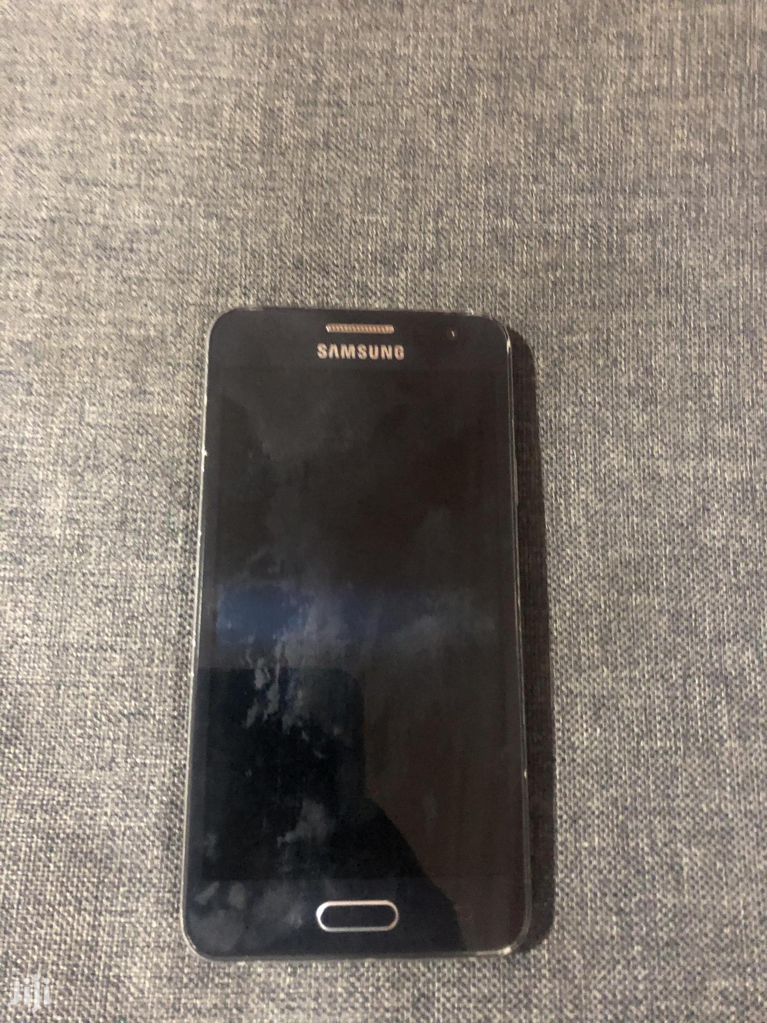 Archive: Samsung Galaxy A3 Duos 16 GB Blue