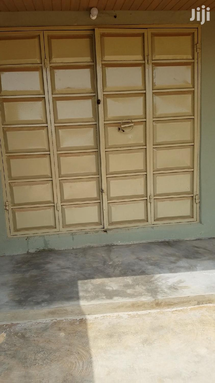 Archive: Shop for Rent, Busy Area by Road Side
