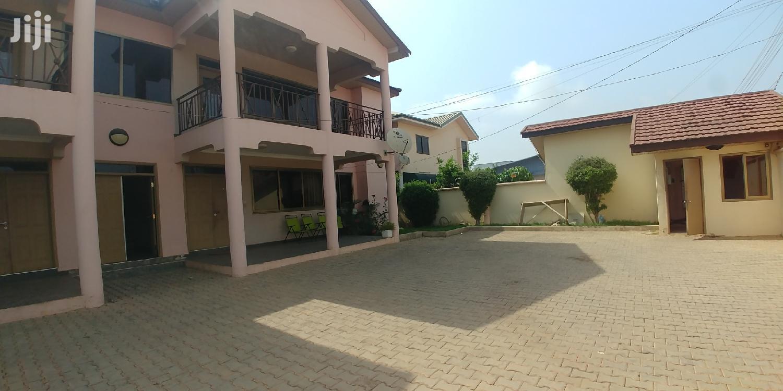 2bedrooms Apartment Tolet, Osu.