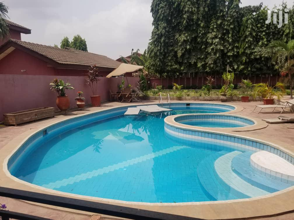 5 Bedrooms House With Swimming Pool 4 Rent at Adjiringanor