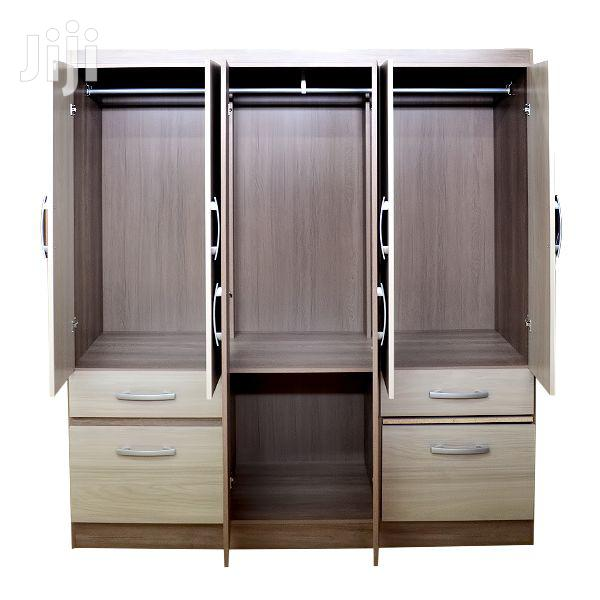 Archive: Wooden Wardrobe 8 Doors 2 Drawers