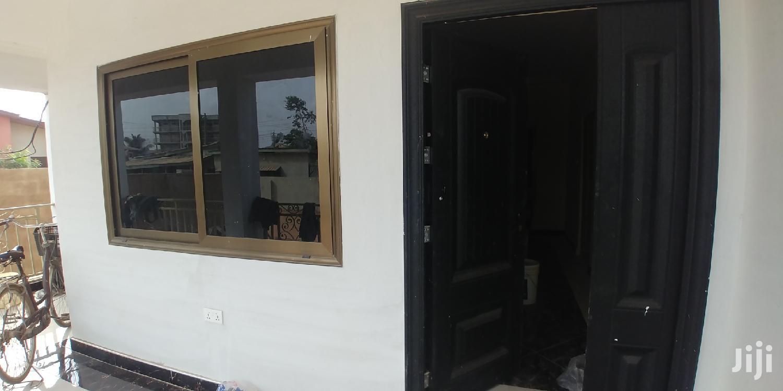 Newly Built 2bedrooms Apartment Tolet,Teshie Bushroad.