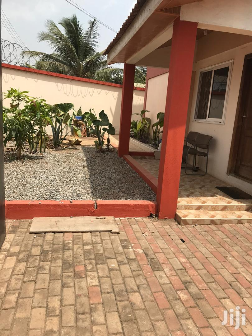 Archive: Executive Chamber And Hall Self Contain For Rent At East Legon