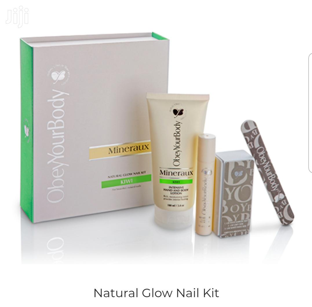 Archive: Natural Nail Glow Kit