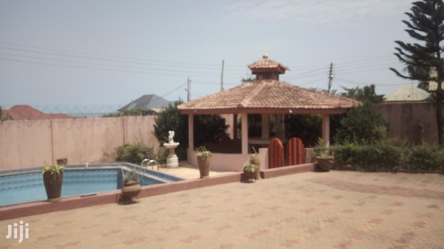 Executive 4 Bedroom Self Compound Plus Swimming Pool For Rent