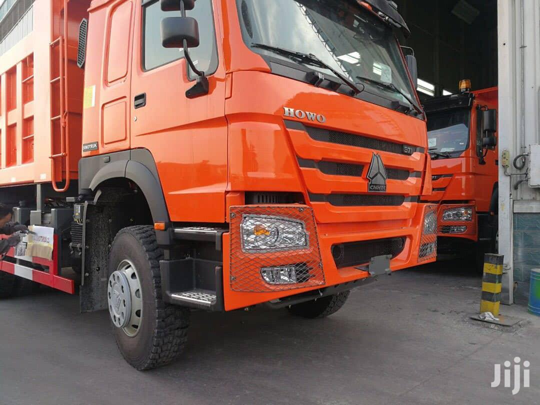 Archive: Sinotruck Howo 8x4 Tipper Truck LHD