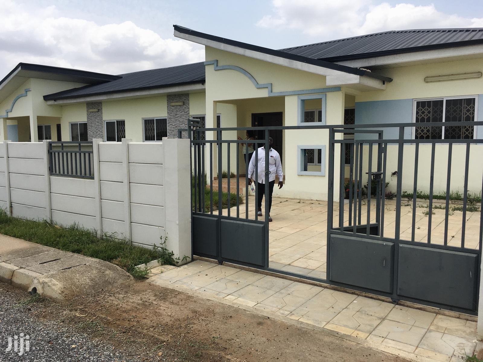 Two Bedroom For Rent At Oyibi