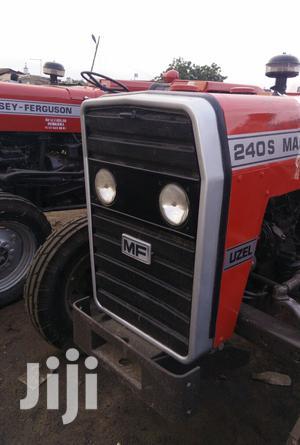 Massey Ferguson..240S