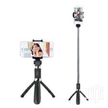 Selfie Stick Stand With Remote And Holder For All Phones | Accessories for Mobile Phones & Tablets for sale in Accra Metropolitan, Greater Accra, Ghana