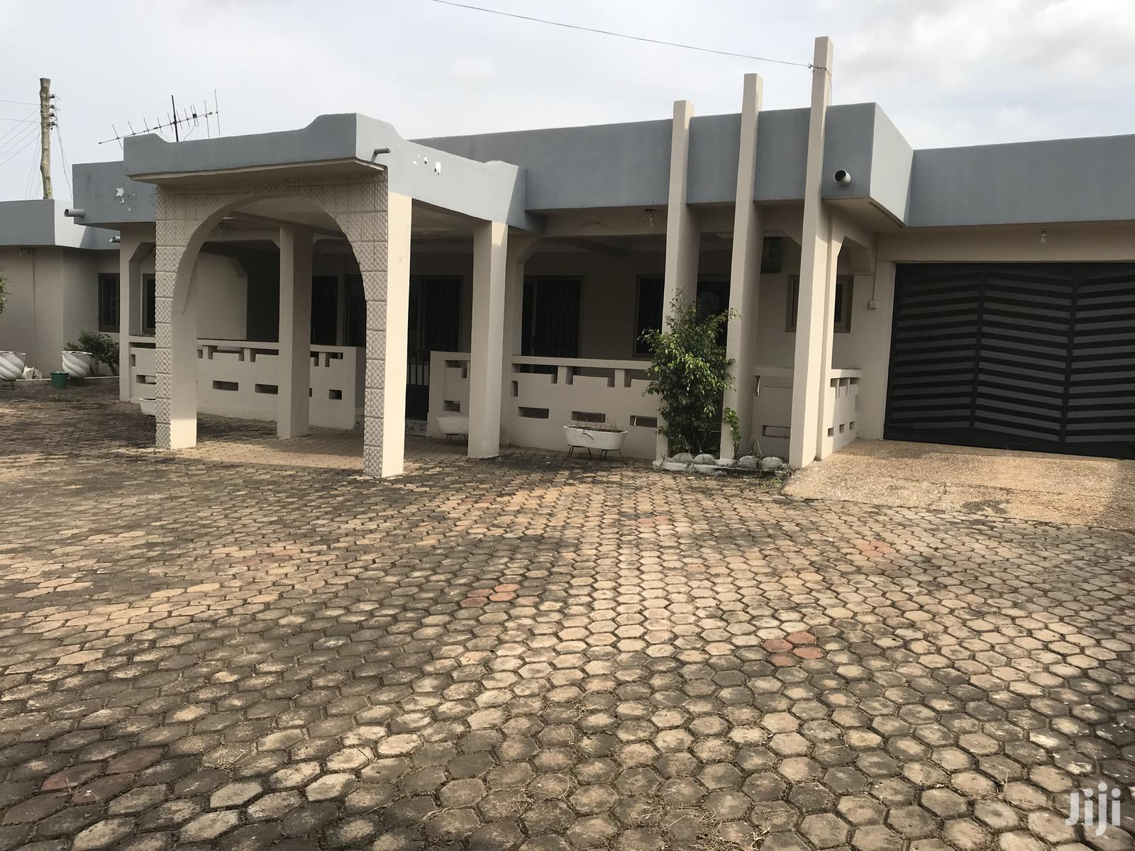 5 Bedrooms House For Sale At Achimota