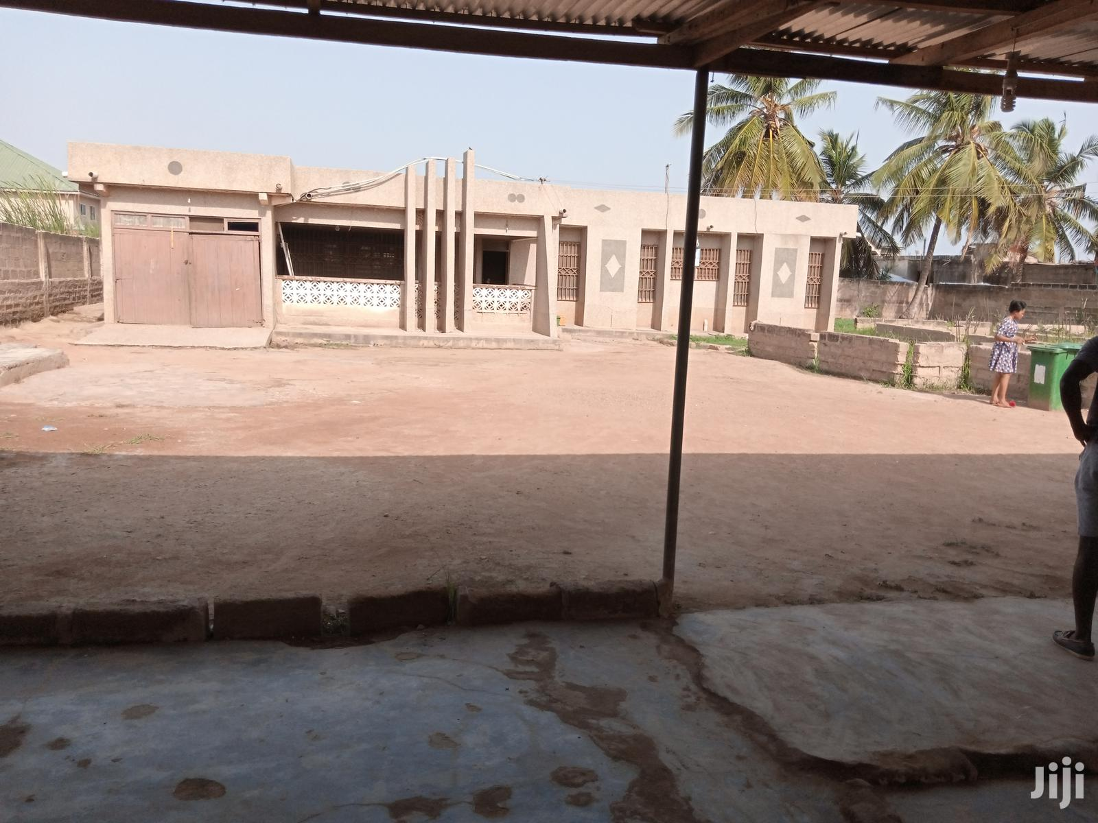 Hot Deal! 5 Bedrooms House With Genuine Documents For Sale.