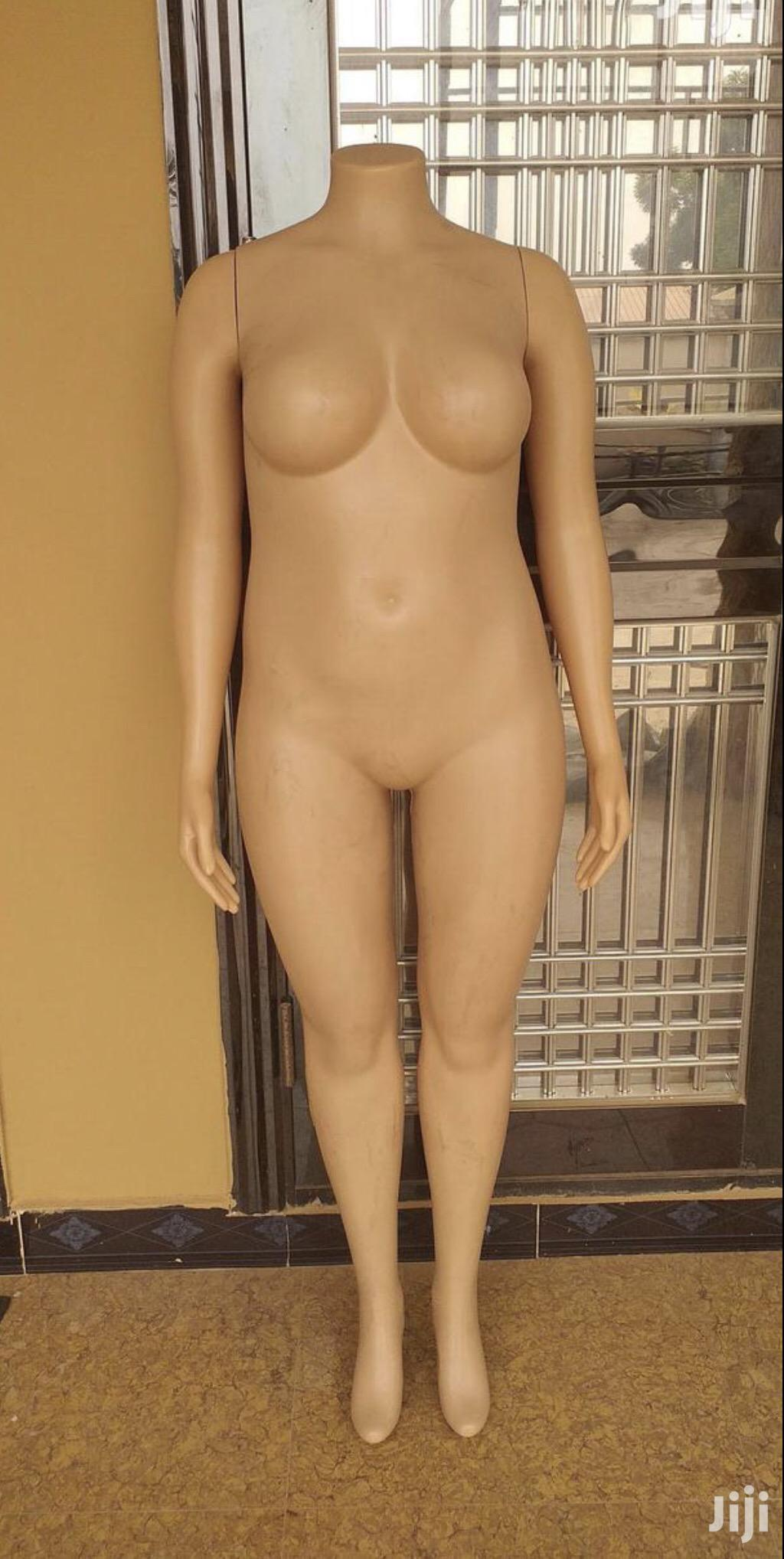 Archive: Full Female Mannequin With Hand