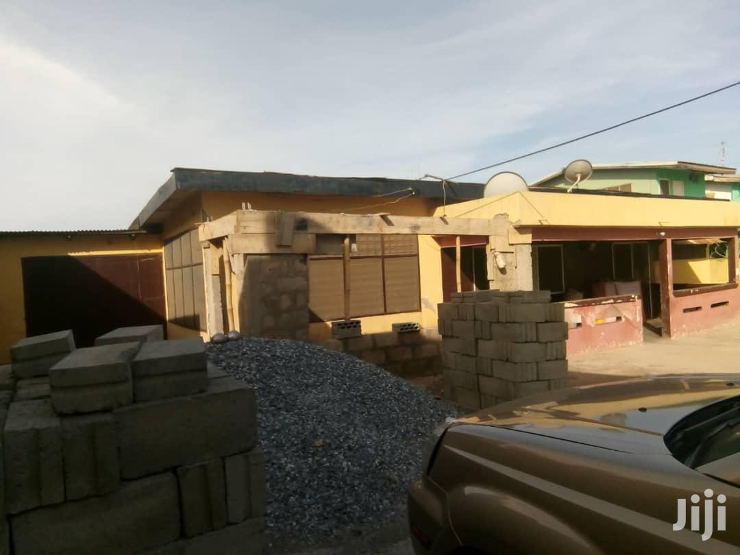 6 Bedroom House With 4 Bathrooms And Hall