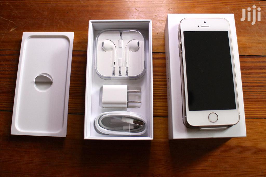New Apple iPhone 5s 32 GB White