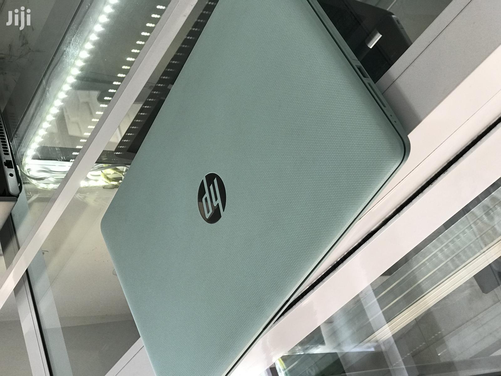 New Laptop HP 15-F272wm 8GB AMD HDD 1T