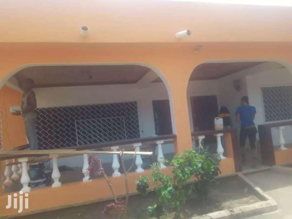 Archive: 2BEDROOM SELF COMPOUND FOR IN ACHIMOTA