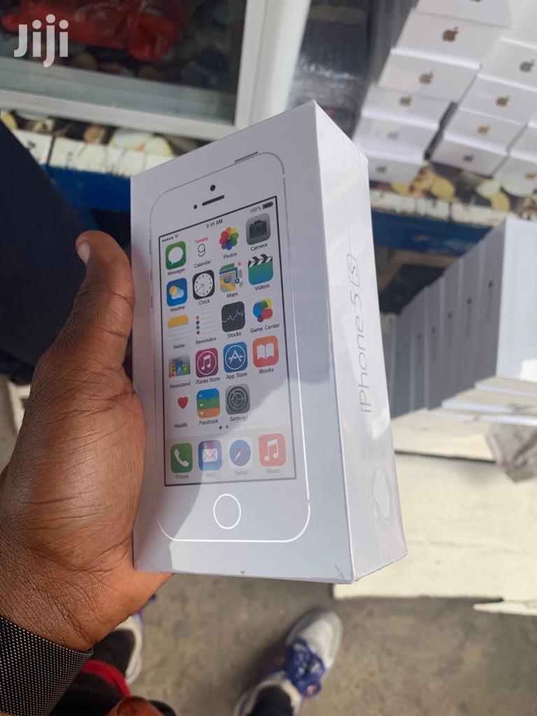 New Apple iPhone 5s 32 GB