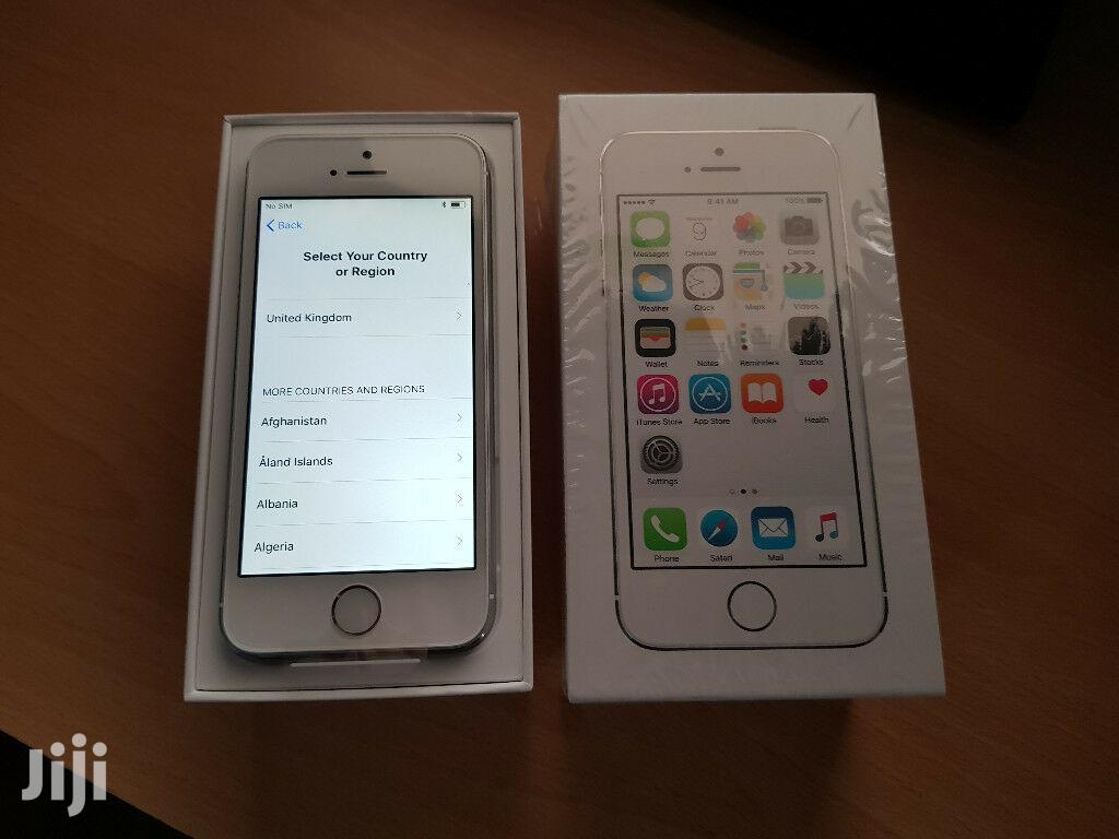 New Apple iPhone 5s 64 GB Gray