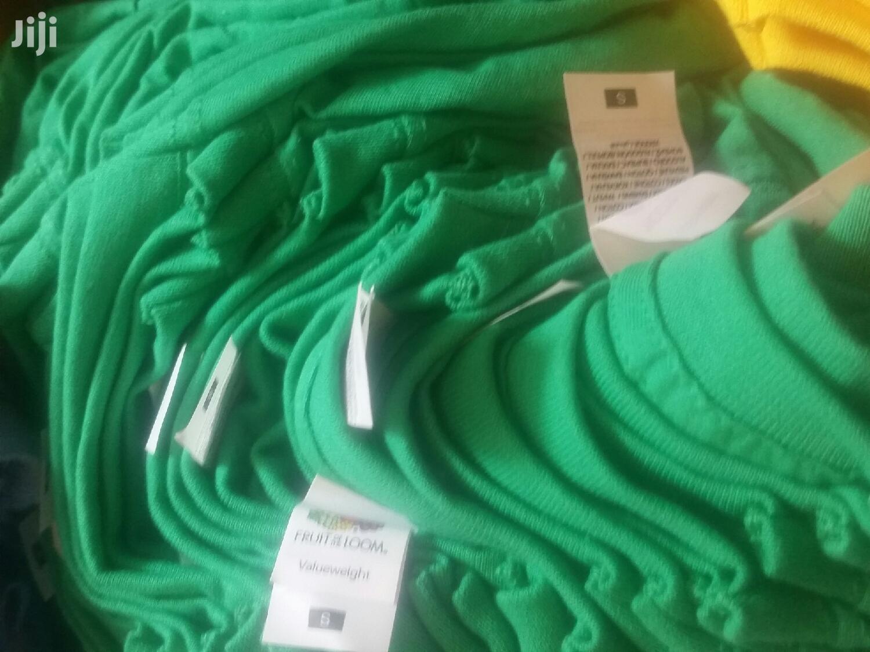 T Shirts Plain Fruit Of Loom Round Neck T Shirt